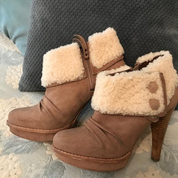 7863ee06860 Ugg Australia Georgette Chestnut Suede Ankle Boot